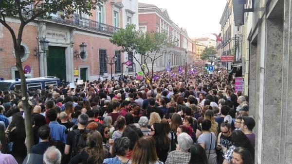 vozpopuli en las manifestaciones contra la sentencia de la manada en madrid